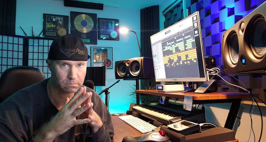 CHART TOPPING PRODUCER-REMIXER - DJ Brian Howe