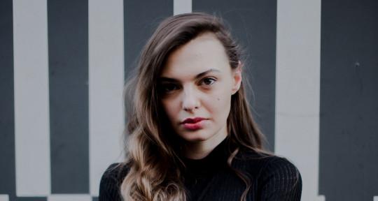 Songwriter, Vocalist, Topliner - Gigi