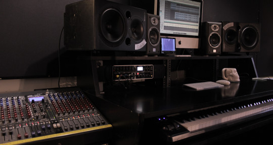 Top 40 Hit Producer / Studio - Manor Studio Essex / Rob Jones