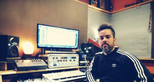 Swiss Army Music Producer - Ezel Feliz
