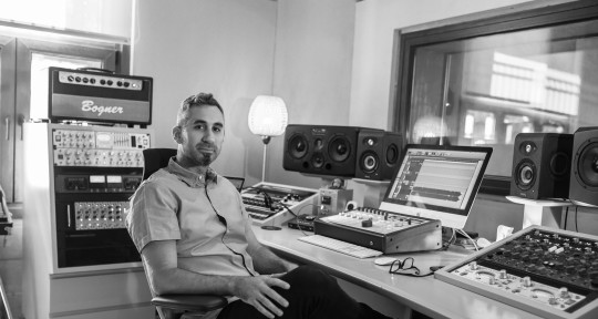 Mixing and Mastering Engineer - Nacho de la Riega