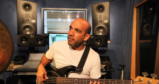 Session/Touring Bassist - Ricardo Martinez