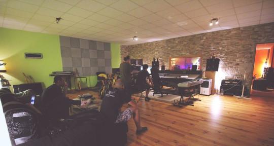FoH & studio mix engineer - Dani G.