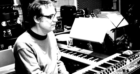 Writer/Keyboardist/StudioOwner - Joe McGinty Music