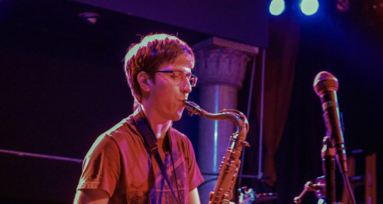 Session Saxophonist/Beats - Jake Barber