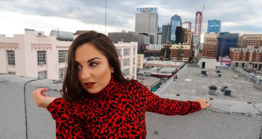 session singer/ songwriter / - Rhia hazel