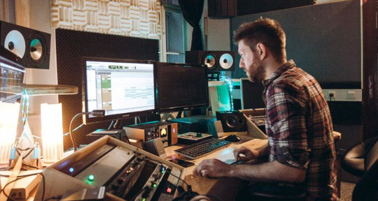 Music Producer, Mix Engineer,  - Daniel Fisher