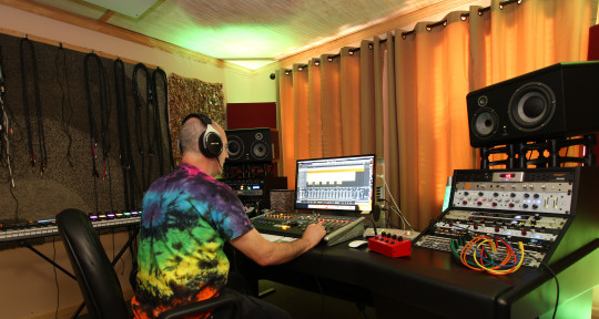 Mixing. Mastering. Songwriter. - Mark Fulwider