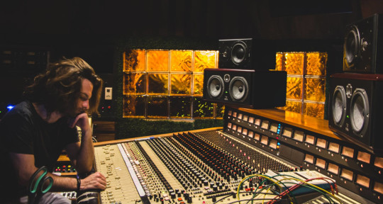 Mixing & Mastering Engineer - Rodrigo Torqui