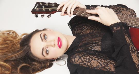 'Female Singer' 'Songwriter'  - Noelle Chiodo