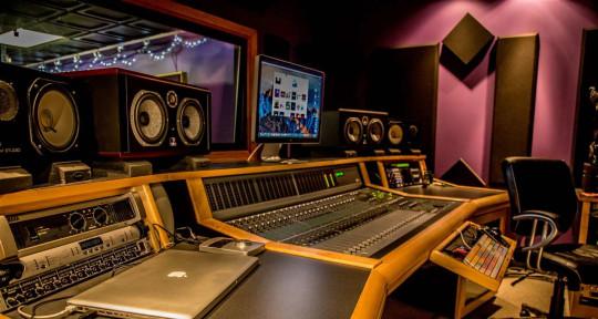 Music Producer/Mixer - Kayvive
