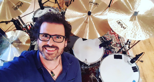 Session Drummer/Simply Red - Roman Roth