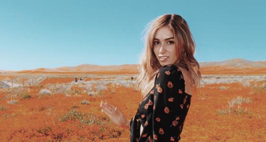 Singer/ Songwriter - Lo Gerr