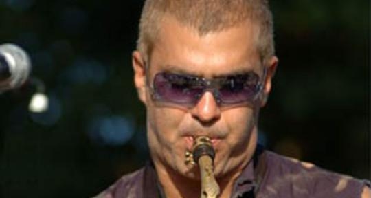 saxophone player, horn arrange - philippe sellam