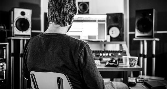 Recordist, Mixer, Producer - Peter Desmedt