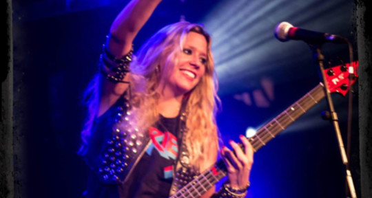Session Bass Player/Singer - Lynda Basstarde