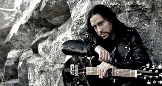 Vocalist;guitarist;songwriter - Kris Dristig