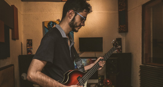 Session Bassist - Julian Loaiza