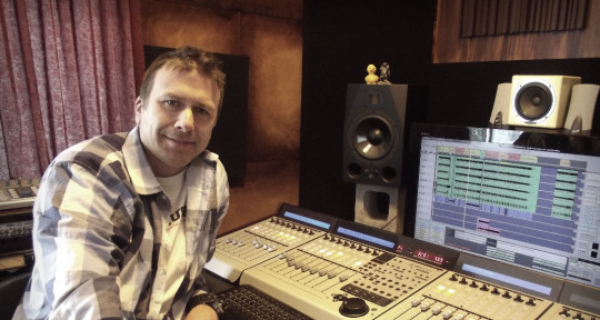 Photo of sHOWpONY Music Production