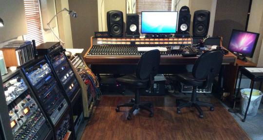 Producer/ Mixer/ Engineer - 7th Wave Music