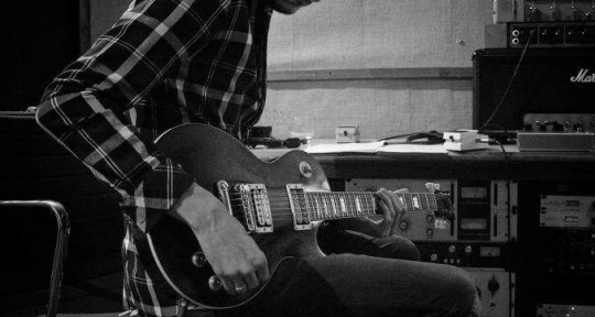 Session Guitarist - James Barratt