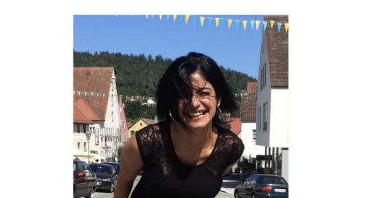 Professional Singer/ Topliner - Marta