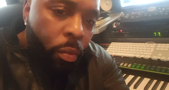 Urban Music Composer - RVelle