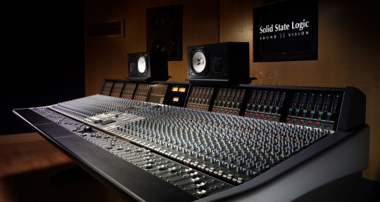 Mixing and Mastering Engineer - Ian Mereness - The Hit Shop
