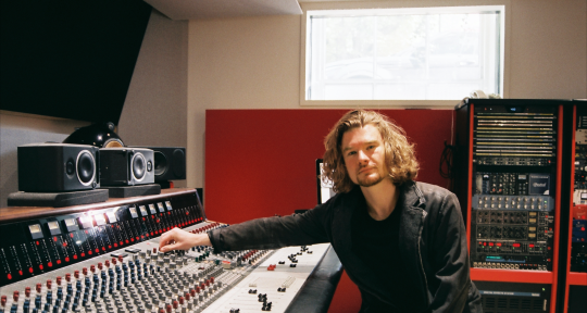 Mix Engineer | Producer - Liam Narrie