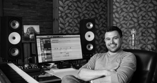 Mix Engineer - Chris Elms