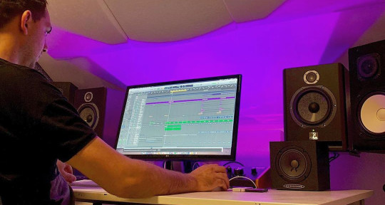I Produce, Mix and Master - Hidde Huijsman