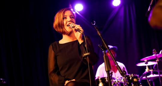 Session singer - Natalie Lukkenaer