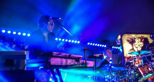 Multi-Keyboardist - Eric Mayron
