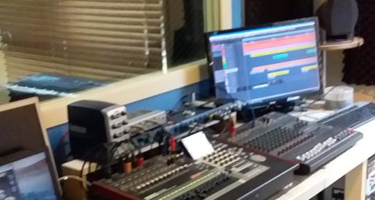 Recording studio.guitarist  - Steve graham
