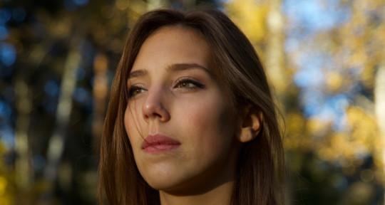 Singer, composer and producer - Claudia Jonas