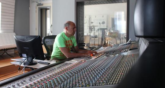 Mixing engineer - Kostas Kalimeris