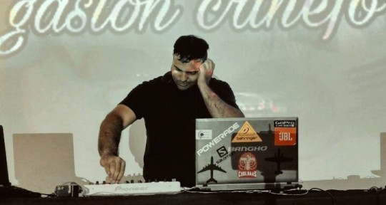 DJ, productor musical  - Gaston Crinejo
