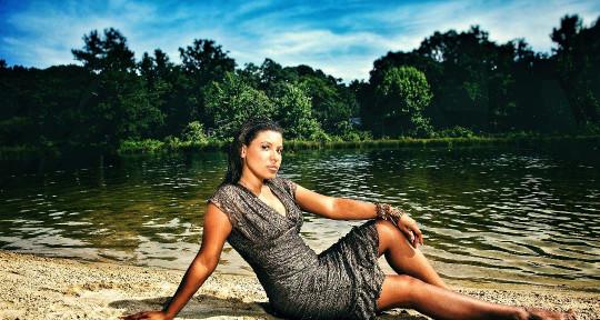 Vocalist/Topliner - Mia Rio