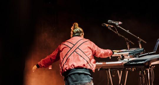 Topliner, singer/songwriting - Jamie Fine