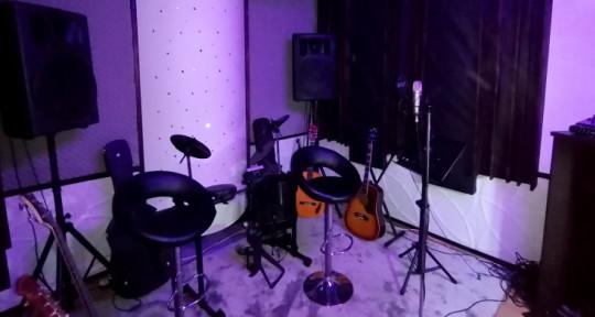 Audio Studio (full service) - Southern Track Studio