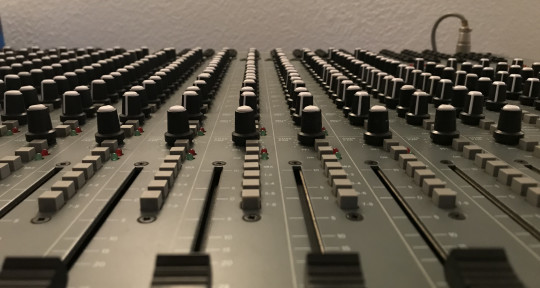Mixing - Recording - Producing - Curly Audio