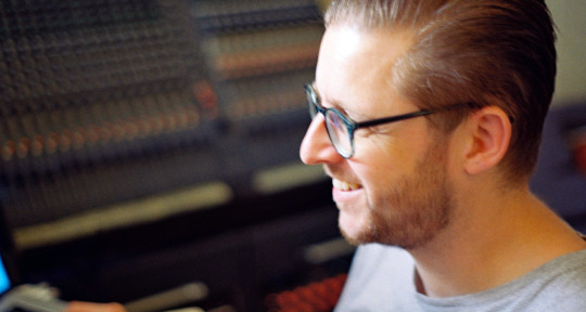 Mix Engineer, Producer, Studio - Robin Hunt