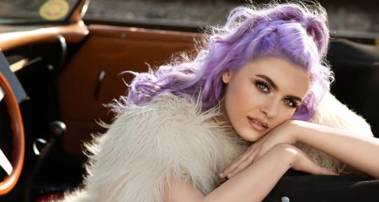 Singer · Top Liner · Writer - Gabriela G.
