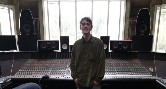 Photo of Ezra Gray Audio