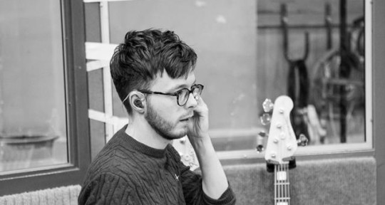 Session Bassist in London, UK - Dan Giles
