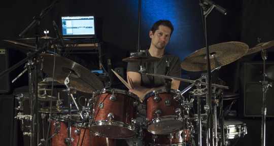 Photo of Oliver Zisko studio drummer