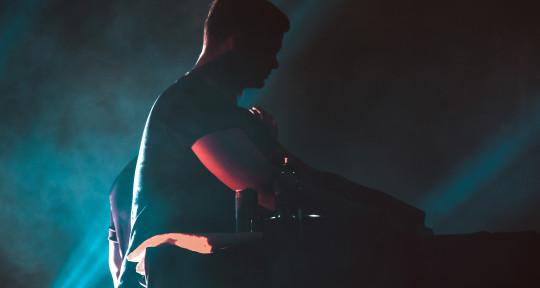 EDM Artist, Remixer & DJ - RUUD