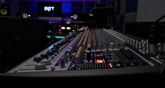 Recording & Mixing Studio - ENTT Studios