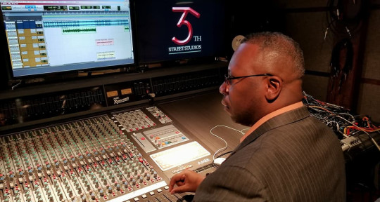 "Music Producer,Sound Engineer - Gregg ""Stormzone"" Greer"