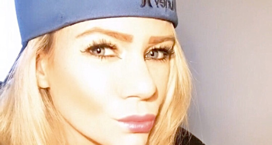 singer, songwriter, topliner  - Latisha Van Simon